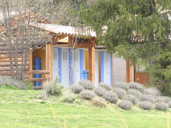 Sanitaire camping hautes alpes