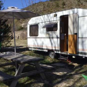 location caravane camping proche orange